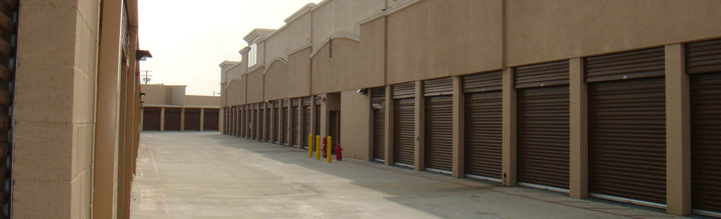 Self storage in Norwalk, California exterior units
