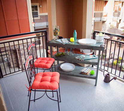 Senior apartment deck at Tanasbourne OR retirement community