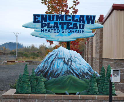 Self sign ENUMCLAW PLATEAU HEATED STORAGE