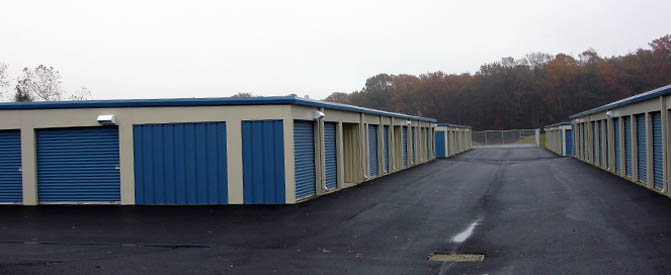 Self storage in La Plata, MD exterior units