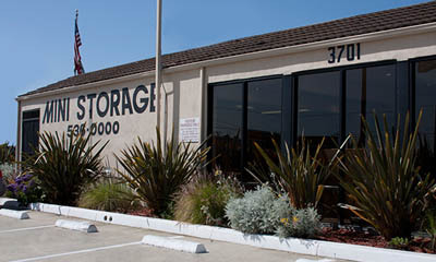 Manhattan Beach mini storage office exterior