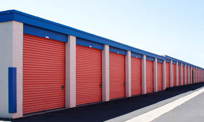 Clean modern facilities at self storage in Newport Beach