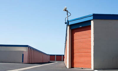 Easily accessible units at self storage in Newport Beach