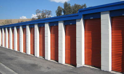 Mini storage in Newport Beach exterior units