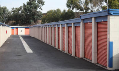 Wide, accessible driveways at self storage in Newport Beach