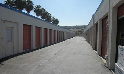 Self storage in El Cajon clean, secure facility