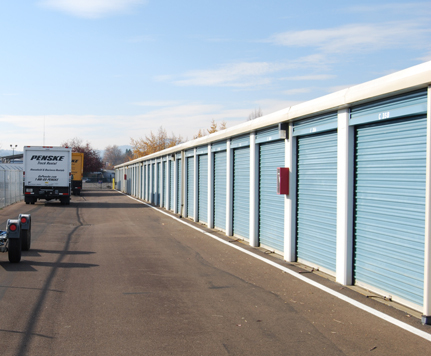 4 WALNUT BLVD SELF STORAGE