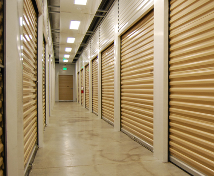 4 KEIZER STORAGE CENTER