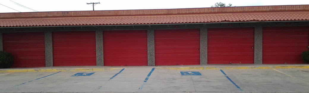 Exterior view of self storage units for rent in Deming