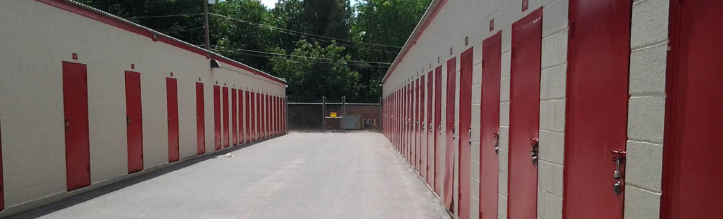 Self storage in Deming offers easy outdoor access to units