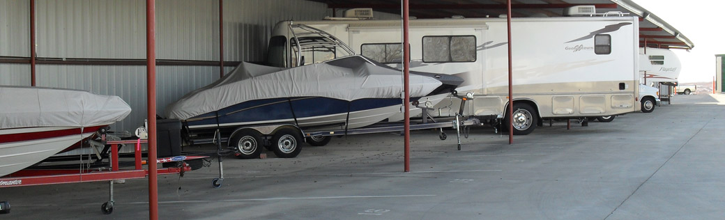 Covered rv and boat storage in Fort Worth