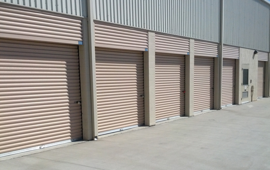 Easy access at self storage in Norco
