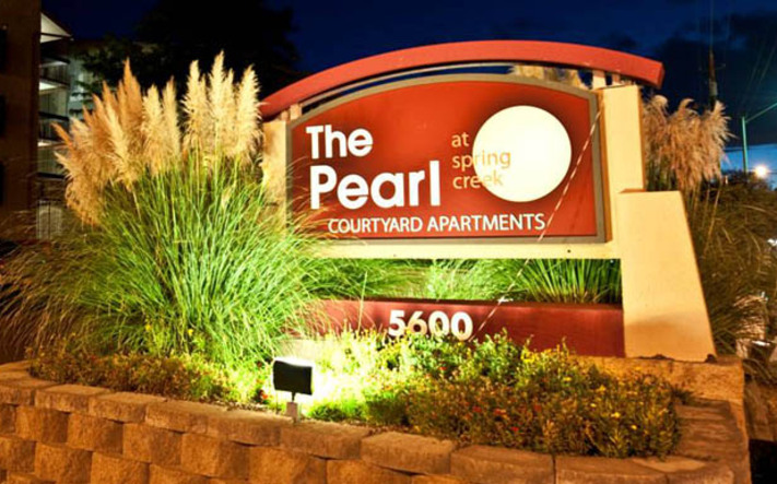 Southeast albuquerque apartments for rent sign