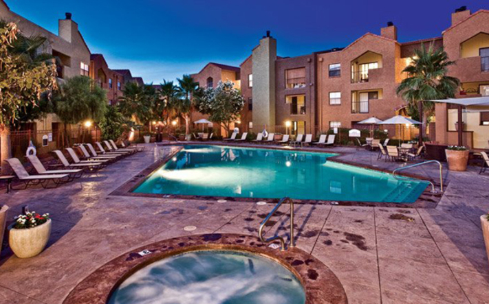 East Phoenix Apartments Greenspoint At Paradise Valley