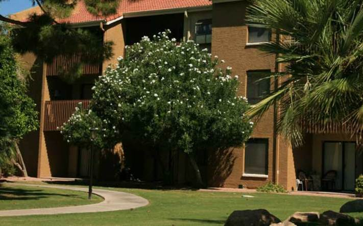 Apartment buildings in Phoenix are cozy