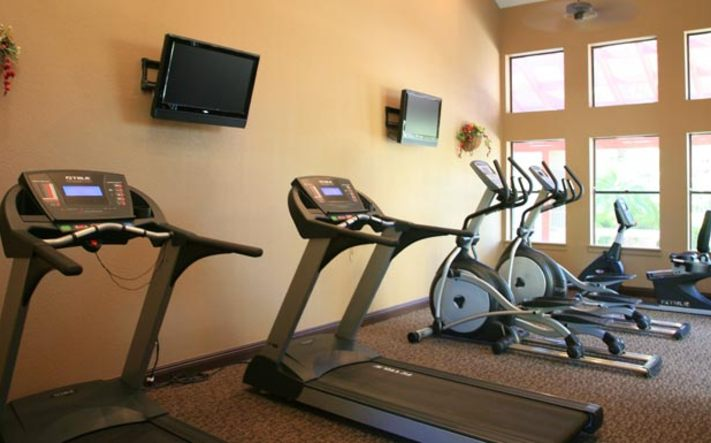 Community fitness center at apartments in Phoenix