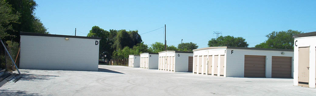 Wide driveways make self storage in Clearwater easily accessible