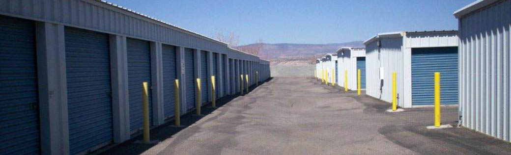 Storage units are available for rent in Cottonwood