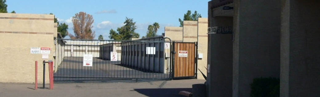 Self storage units for rent in Peoria are fenced and gated.