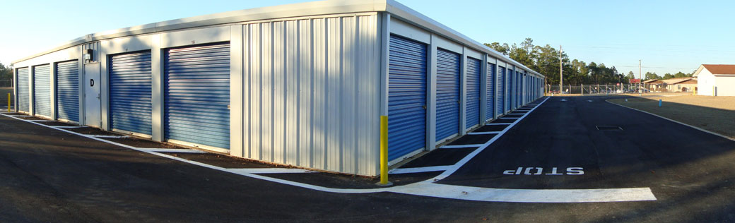 Outdoor units featured at Defuniak Springs self storage