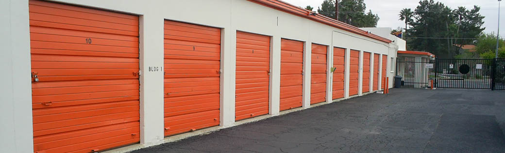 Large storage units for rent in Tucson has wide clearance