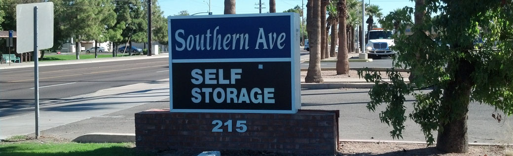 Entrance sign to Tempe self storage